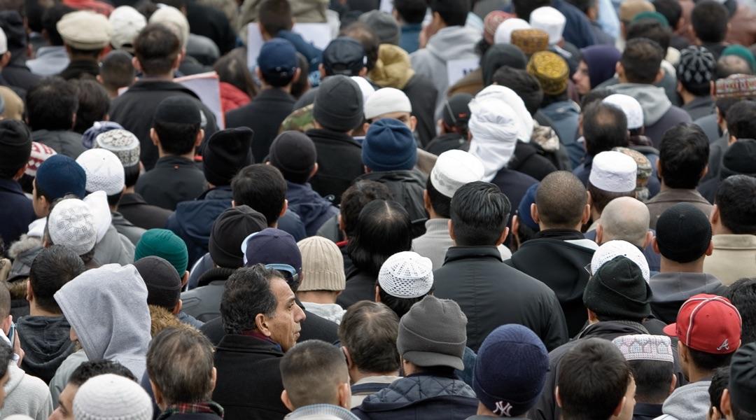 Farklı Ortamlarda Müslümanca Yaşamak