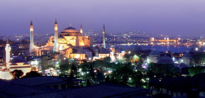 Ramazân-ı Şerîf İkli̇mi̇nde Yaşamak
